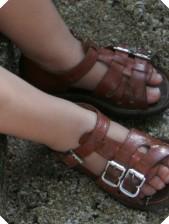 sandals_crop
